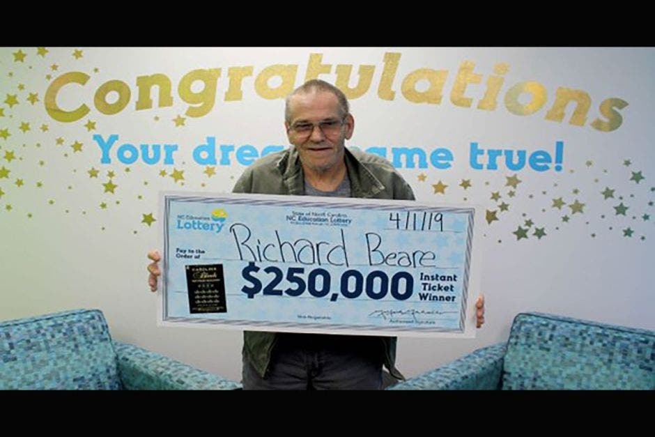Hombre con cáncer gana la lotería y cumplirá el sueño de su vida