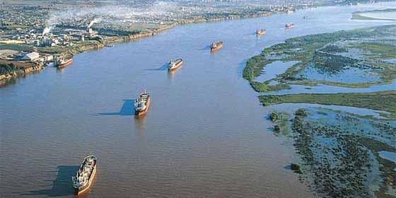 Hidrovía Paraguay-Paraná: la insólita salida al mar que comenzó a usar Bolivia tras la disputa con Chile