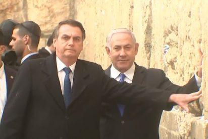 Jair Bolsonaro visita el Muro de los Lamentos de la mano de Benjamin Netanyahu