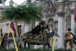 Los pro-república la lían en la procesión del Domingo de Ramos