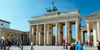 Puerta de Brandenburgo: Símbolo del triunfo de la paz sobre las armas