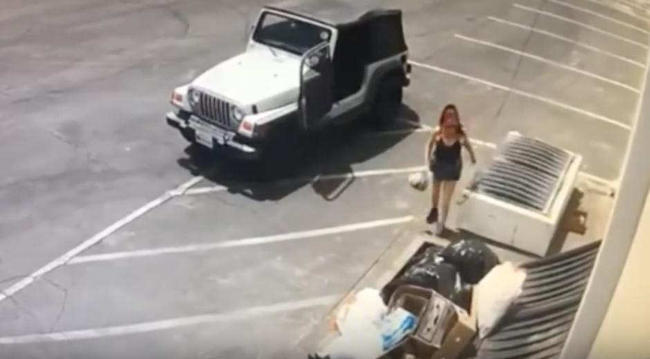 Prisión para la mujer que tiró una bolsa llena de cachorros a la basura