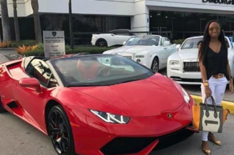 Hija deja en evidencia la corrupción de su padre al comprar un Lamborghini, ropa de diseñador y viajes