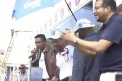 Este dominicano canta 106 horas seguidas para romper un récord Guinness pero fracasa