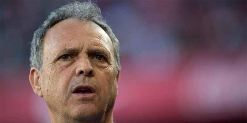 Joaquín Caparrós, entrenador del Sevilla, anuncia que padece leucemia crónica
