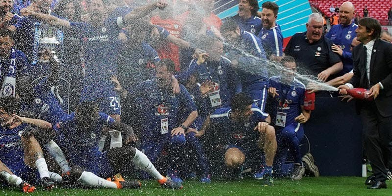 ¿Sabías que los ganadores de la Copa de Inglaterra celebrarán la victoria con champán sin alcohol?