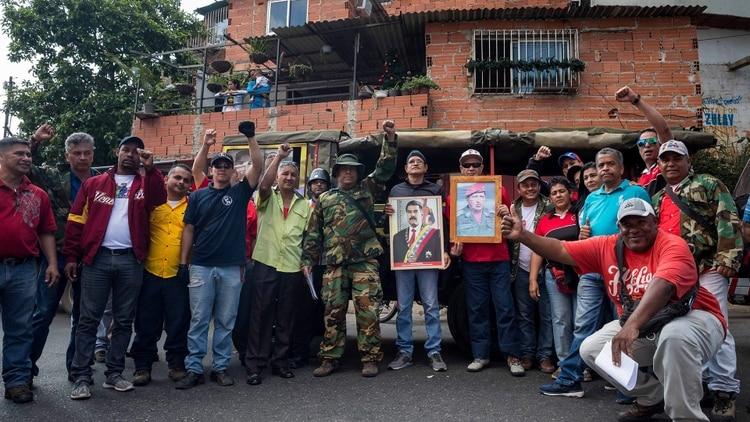 Por qué la dictadura de Nicolás Maduro se 'baja los pantalones' ante los colectivos chavistas