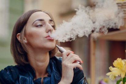 Encuentran toxinas de microbios y hongos en el humo de los cigarrillos electrónicos