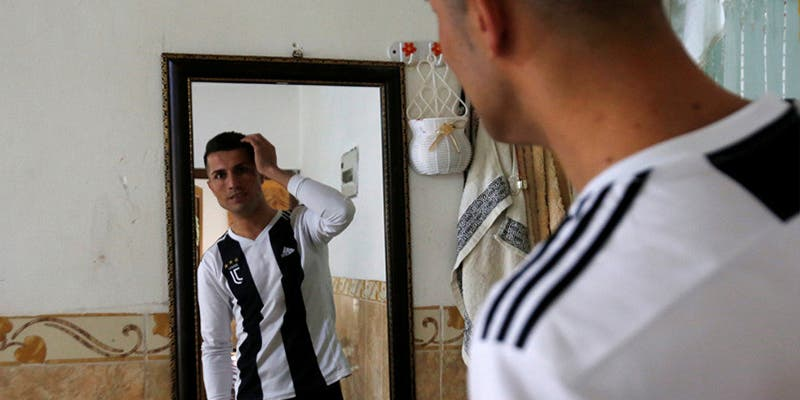 Así es el 'clon' de Cristiano que vive en Irak