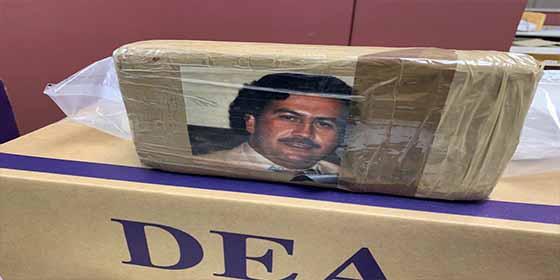Orgullo narco: Incautan 34 kilos de heroina envueltos con fotos de Pablo Escobar