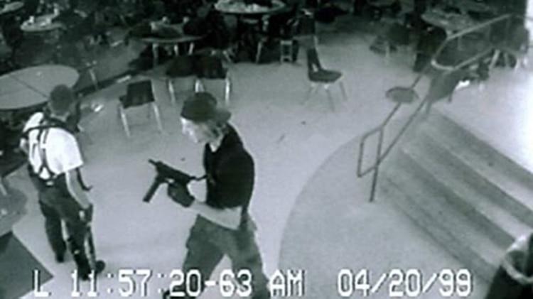 """La masacre de Columbine: Una mujer """"obsesionada"""" con el crimen amenaza con repetirlo"""
