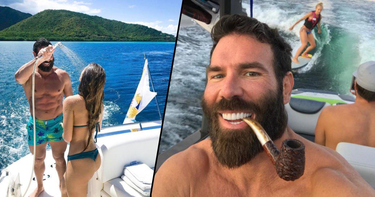 """La última hazaña del """"Rey de Instagram"""": Dar de comer a un oso en una fiesta privada"""