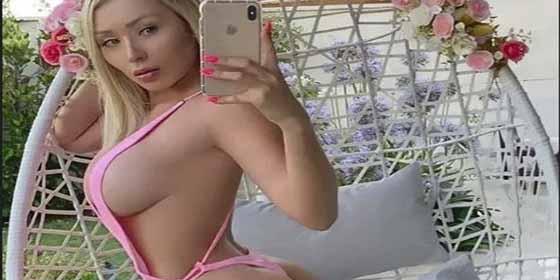 Daniella Chávez revienta Instagram con un infartante topless y un diminuto hilo negro
