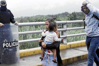Diáspora desesperada: Venezolanos recurren a criminales para huir del régimen de Maduro