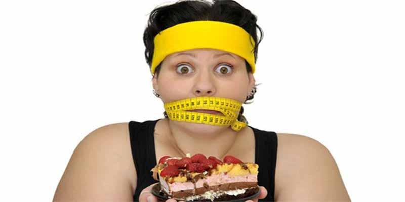 Dieta letal: No desayunar y cenar muy tarde te va a poner como un tonel y te puede costar la vida