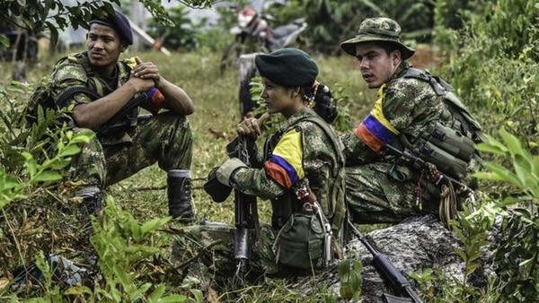 Las FARC reaparecen en Colombia armados y amenazando al presidente Iván Duque