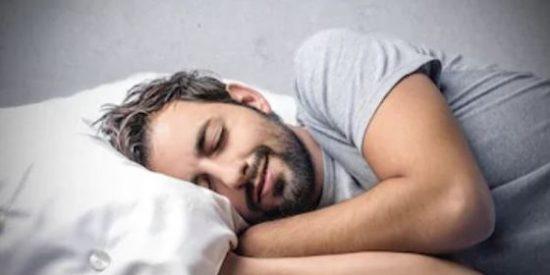 ¿Sabías que dormir la siesta es saludable para el corazón?