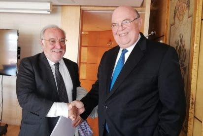 Ecarri supera al chavista Mario Isea: Negocia reactivar el canje del carnet de conducir venezolano en España