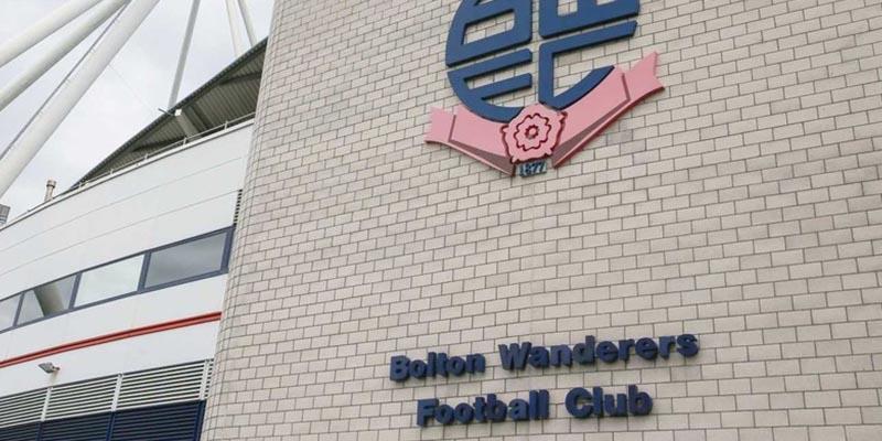 Varios jugadores de un club de fútbol de Inglaterra boicotean un partido por no recibir sus salarios