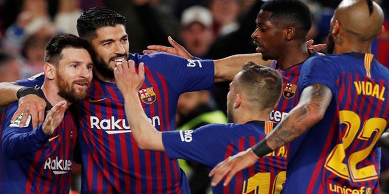 El Barcelona gana la Liga, cómo no, de la mano y botas de Messi