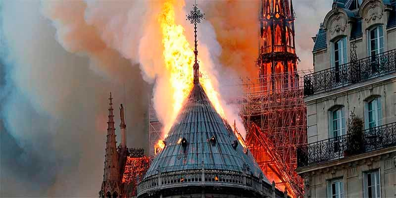 Cristianofobia: extremistas de izquierda se mofan del incendio de Notre Dame de París