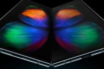 Duras críticas al Galaxy Fold de Samsung por problemas en la pantalla del móvil flexible que cuesta unos 2.000 euros