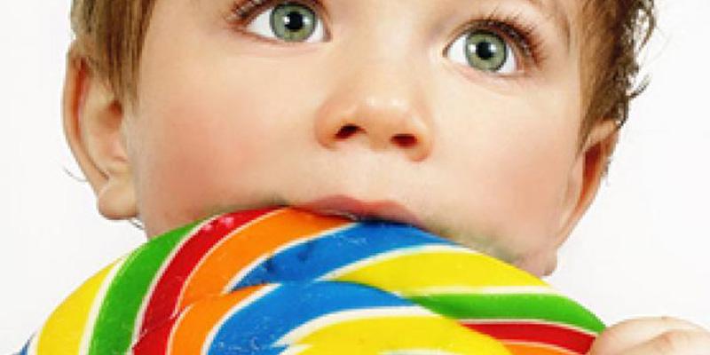 ¿Sabes cuáles son los alimentos que suponen más peligro de atragantamiento para los niños?