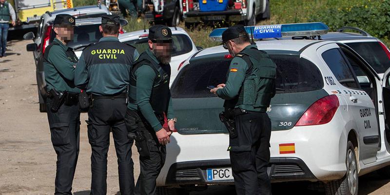 La Guardia Civil investiga a un policía por la muerte de una anciana millonaria que cayó misteriosamente por las escaleras de su chalé