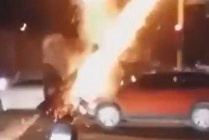 Vídeo: Joven se disfraza de terrorista y dispara una bazuca en las calles de México