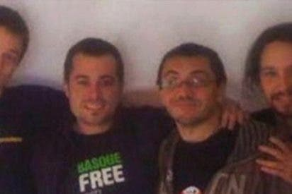 Así de sonrientes se hacían fotos Iglesias, Monedero y Errejón con 'amistades peligrosas'