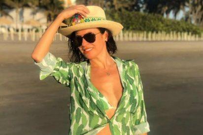 Una presentadora mexicana posa al estilo 'Maluma': En un jacuzzi y con 13 hombres