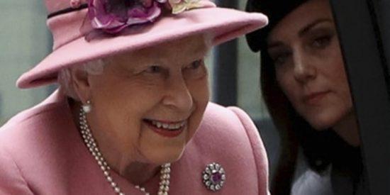 Isabel II a sus 93 años se enfrenta a grandes tensiones con las mujeres de su familia y prepara su final