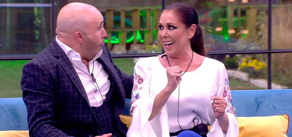 Isabel Pantoja comienza su andadura televisiva subiendo a la casa de 'GH Dúo'