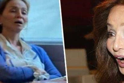 Pillan a la abuelita Isabel Preysler durmiendo en un tren con la boca abierta