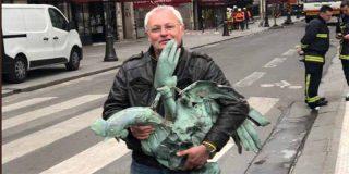 Milagro en Notre Dame: encuentran el gallo de la aguja de la catedral con las tres reliquias