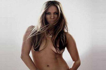 Una Jennifer López sin sujetador deja todo a la vista