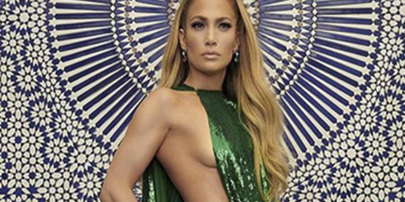 """Jennifer López enseña el """"potorro"""" en un descuido"""