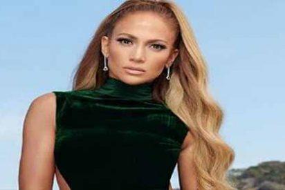 Jennifer Lopez no deja nada a la imaginación con su ajustado bikini