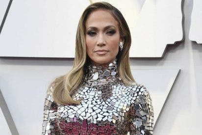 Jennifer Lopez, inmune al paso del tiempo: muestra su impactante figura con un corset de cuero