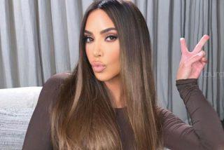 Kim Kardashian enciende Instagram con un sujetador negro y bragas a juego