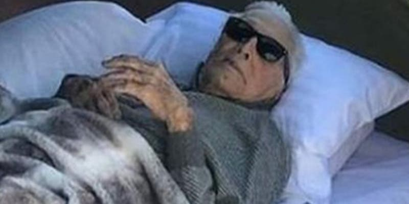 Kirk Douglas y su salud sobrenatural: dormía en un camping a los 102 años