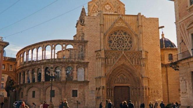La Procesión del Indulto podrá salir por las calles de Valencia tras miles de protestas
