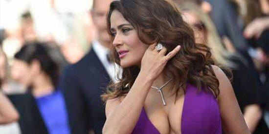 El cuerpazo de Salma Hayek en un traje de látex que desata el fetichismo en Instagram