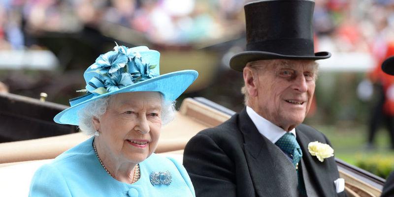 Desvelan la dieta de Isabel II: arenques, bistec y gyn tonic
