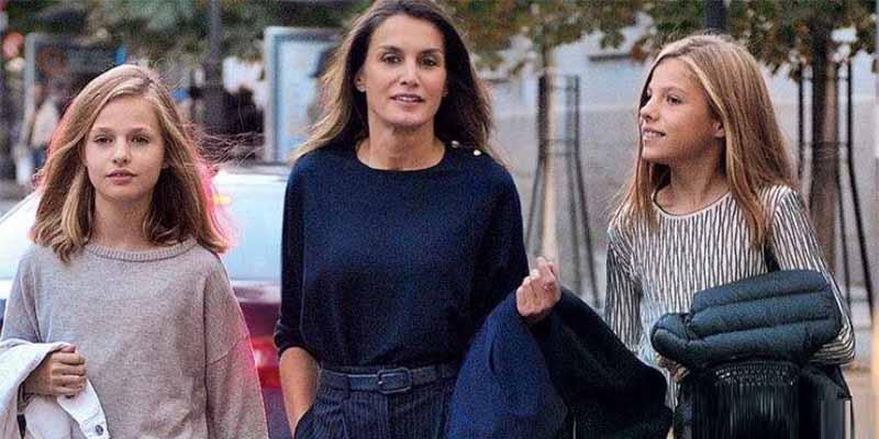La Reina Letizia pone tierra por medio y se va a Italia con las niñas tras la 'ruptura' con sus suegros