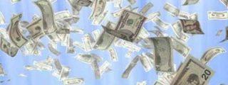 A un hombre se le cayeron US$ 30.000 de su camioneta y ahora nadie quiere devolverlos