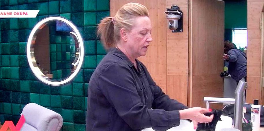 Lo que le faltaba a Lydia Lozano: Tiene que lavar las bragas de Anabel Pantoja