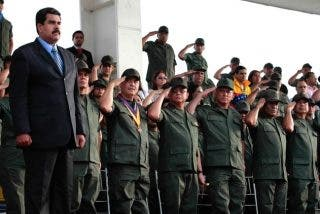 Encuesta: Crece el número de venezolanos que creen que el impopular Maduro manda en Venezuela