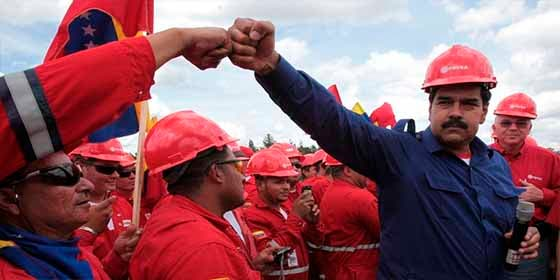 """Experto denuncia que Maduro entregó PDVSA a los Castro: """"Pdvsa, cómo y cuándo la mataron"""""""