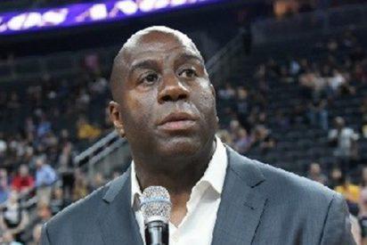 'Magic' Johnson renuncia a la presidencia de Los Angeles Lakers antes del último partido del equipo en la temporada